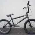 キンクバイクのアウトフィット 黒 2010年