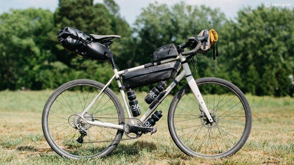 新たなツーリングバイク